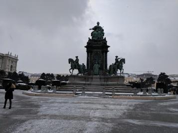 statue helden